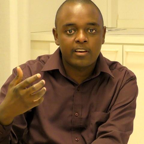Brian_Ndyaguma-Photo-Malin-Planting.jpg