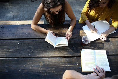 Studenter som pluggar
