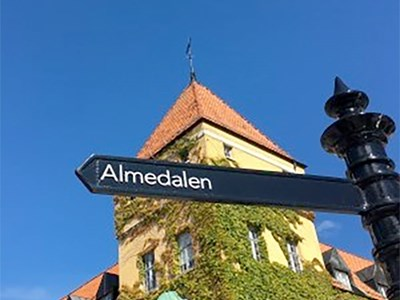 Road sign in Visby town. Photo.
